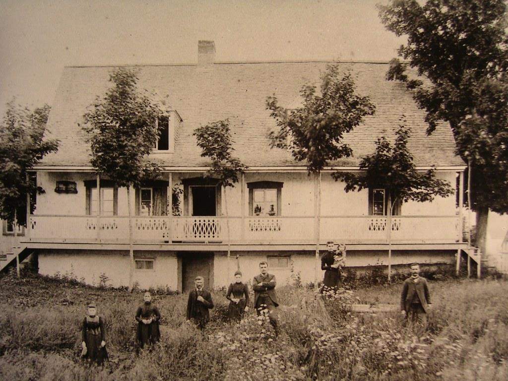 Photo d'archives de la Maison Couët: Fonds Yvonne Couët.