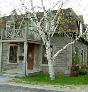 Maison sur la rue de Sainte-Geneviève à Montréal (construite en 1885). Photo: Suzanne Marceau