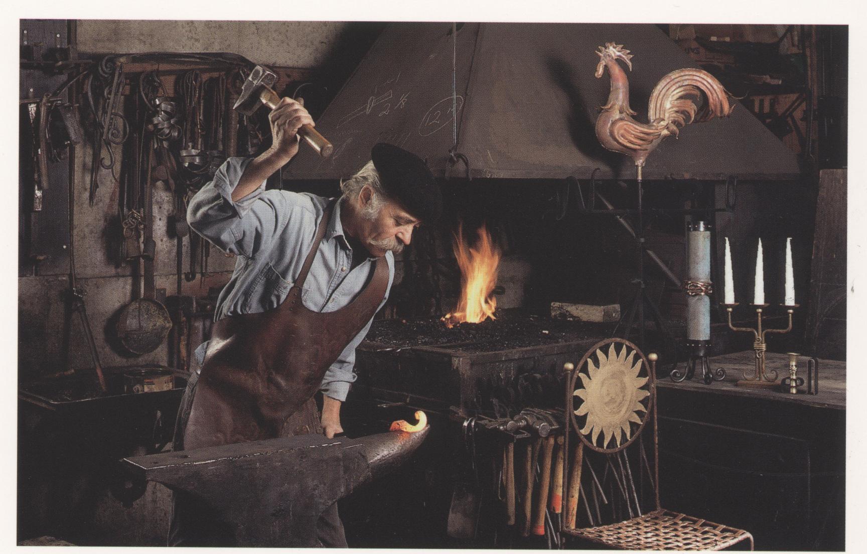Portrait de l'artiste au travail, Forge Pique-Assaut © Guy Bel