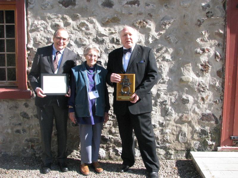 Louis Patenaude (Président de l'APMAQ), Thérèse Romer et Yvan Fortier (Lauréat 2014). Photo : Chantal Beauregard
