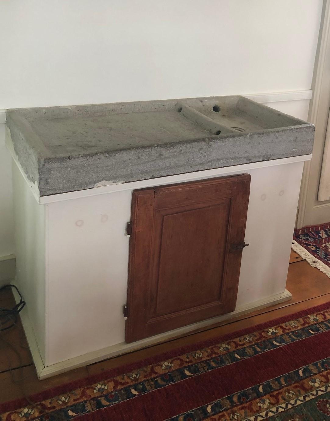 La pierre d'évier est un élément difficile à trouver pour une maison de pièces.